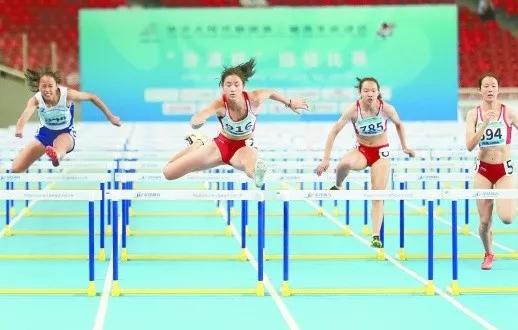 破全国少年记录! 邵阳妹子二青会100米栏夺冠
