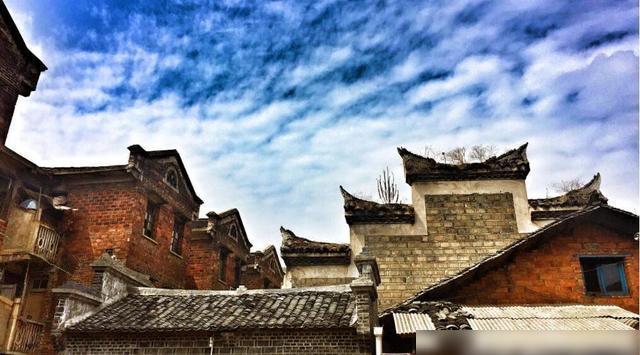 下载被拆迁掉的湖南古城,曾藏着明朝皇城,如今却以美食闻名全国